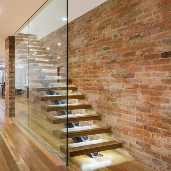 strong mono stringer staircase with glass railing
