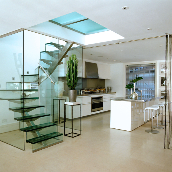 glass mono stair-60x100stringer-12+12laminated tread